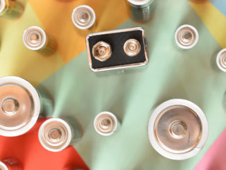 Viele, viele bunte Batterien. Aber welche war gleich noch mal leer?