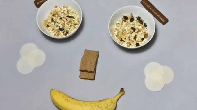 Ein Smiley aus Essen. Aber zaubern auch die Zutaten ein Lächeln in Ihr Gesicht?