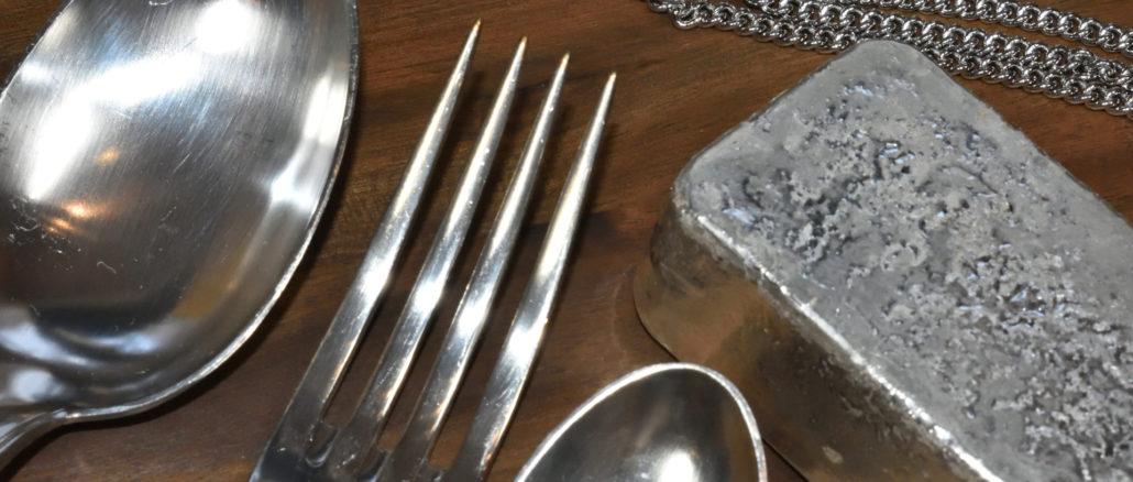Silberwaren kommen erst dann so richtig zur Geltung, wenn sie strahlen. Da hilft oft nur Putzen...