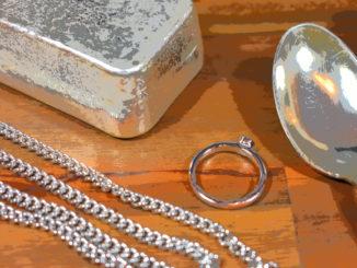 Mit den richtigen Pflegetipps glänzt Ihr Silber und bleibt lange strahlend schön.
