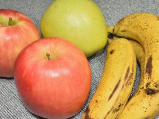 Neben Äpfeln sehen Bananen schnell ziemlich alt aus. Da liegt bestimmt was in der Luft...